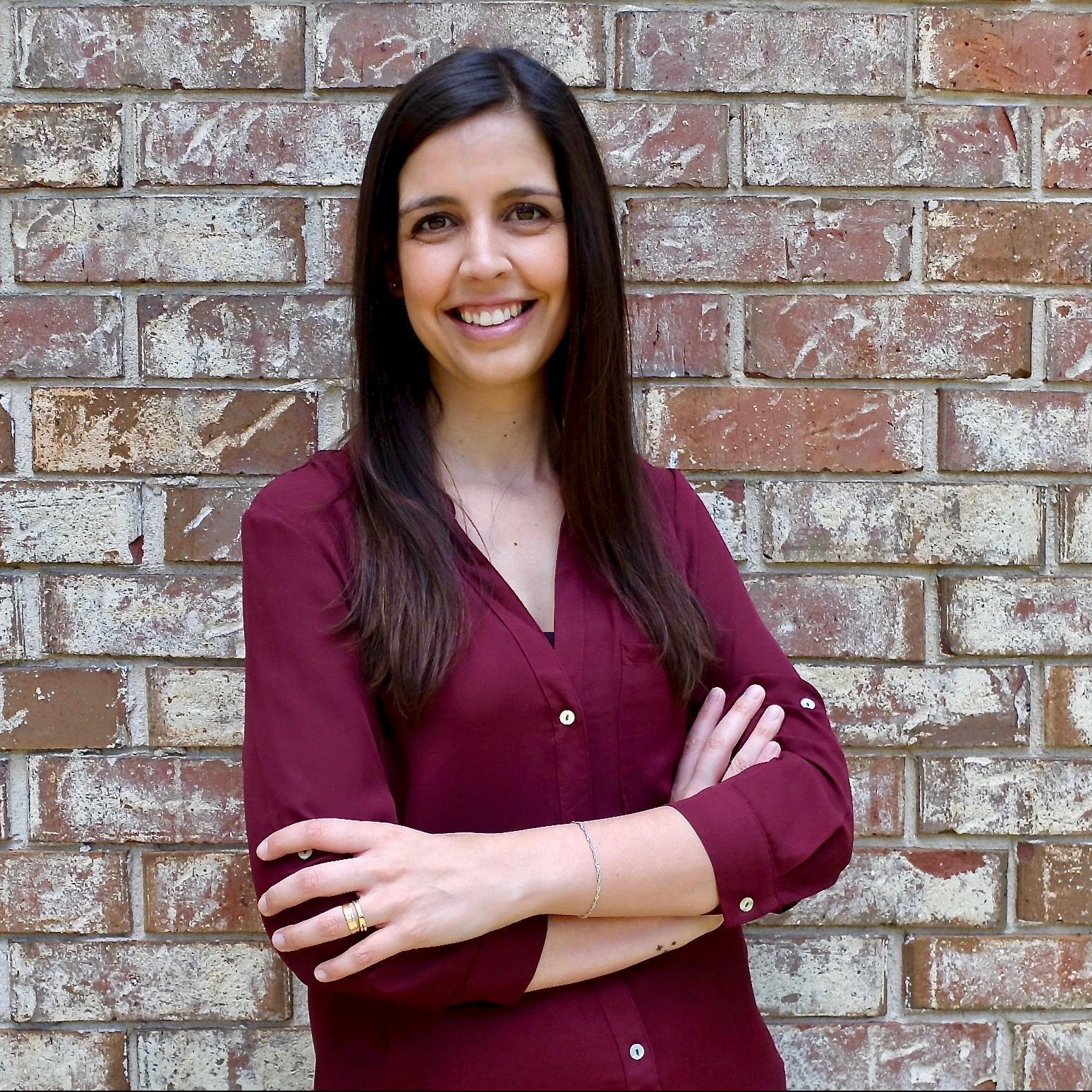Dr Raquel Velez Oliveira