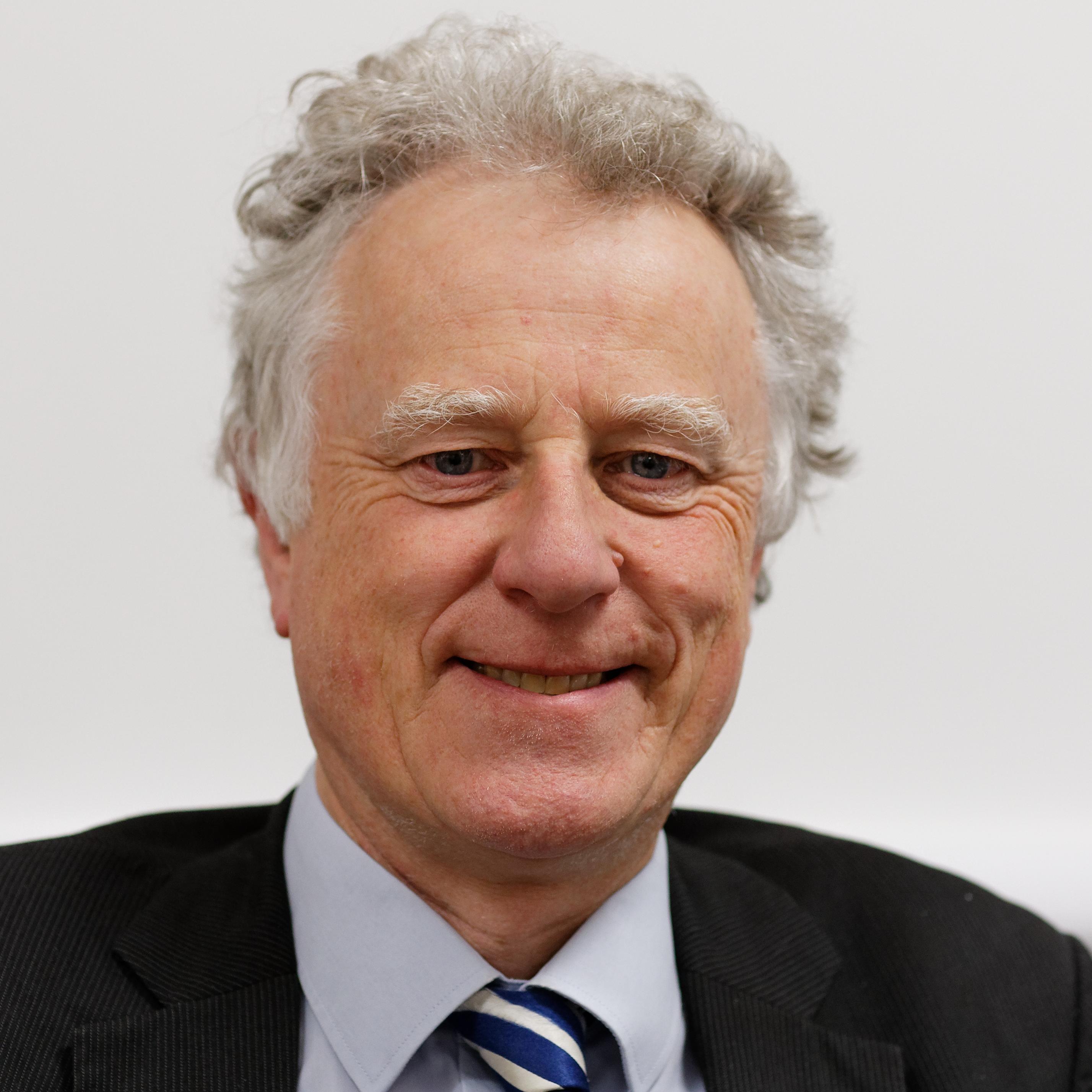 Dr Timothy Cox